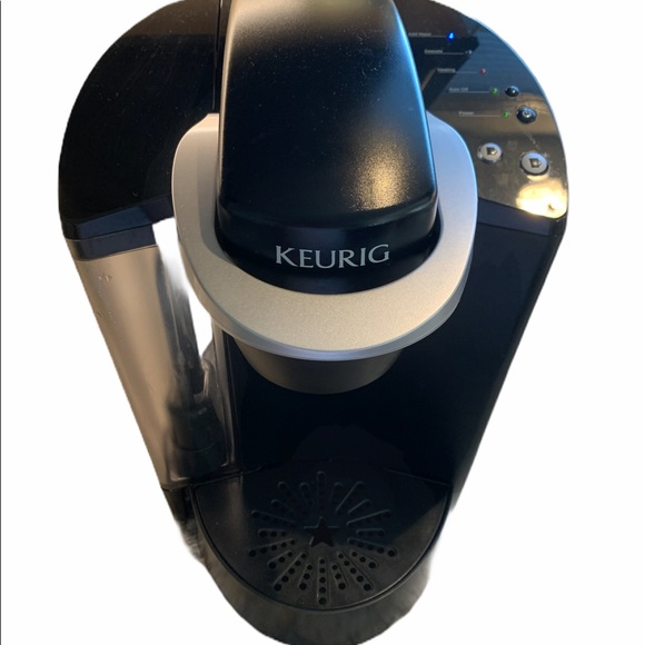 Keurig K-40 (classic) single serve brewer!!